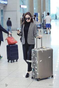 161029 Jessica Jung at airport Cr. Snsd Airport Fashion, Kpop Fashion, Daily Fashion, Fashion Outfits, Magazine Cosmopolitan, Instyle Magazine, Taeyeon Jessica, Jessica & Krystal, Korean Fashion Dress