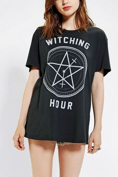 Feather Hearts Witching Hour Tee / Dang it! I shouldn't have walked away, I should have bought it! Next time! It would look cute with my crushed velvet leggings!