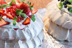 Pavlova, Kiwi, Camembert Cheese, Waffles, Strawberry, Pudding, Fruit, Breakfast, Blog
