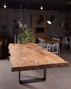 Red cedar wood table from Lebanon Aaron Xlab- Tavolo in legno di cedro rosso del Libano Aaron Xlab Red cedar wood table from Lebanon Aaron Xlab -