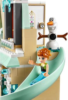 LEGO Disney Princess Frozen 41068 - Arendelle Castle Celebration #LEGO #LEGODisney #LEGODisneyPrincess #LEGOFrozen #Frozen #DisneyPrincess #Disney #AnnaFrozen #ElsaFrozen #Olaf #OlafFrozen