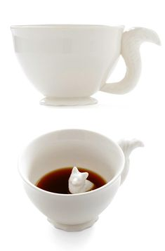 Hidden Fox Coffee Mug - I want one!  this is what i will drink my coffee out of while im in my library