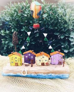 ~городок мечтателей~ Driftwood Art, интерьерная композиция изготовлена на заказ, продано • • Повтор возможен • • #дрифтвуд #дрифтвудсочи #дрифтвудмарипоса #driftwood #driftwoodsochi #driftwoodmariposa #назаказ #деревяшки #mariposa__art #марипоса__арт #сочи #сделаноруками #хендмэйд #handmade #вподарок #подарки #новыйгод #домики #волшебство #волшебныйгород #сказка #воздушныйшар #дирижабль #мечтатели #россия #мои_волшебные_домики