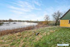 Melbyvej 5, Engeldrup, 5400 Bogense - Landejendom beliggende idylisk lige ned til stor sø #landejendom #bogense #selvsalg #boligsalg #boligdk
