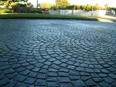 6 Alternatives to Asphalt Driveways - HousessiveFind great alternatives to asphalt driveways. outdoor Stunning Modern Driveway Ideas and Stunning Modern Driveway Ideas and LayoutsSpanish style entry with cobblestone driveway and cactusSpanish style entry Cobbled Driveway, Driveway Paving, Driveway Design, Driveway Landscaping, Driveway Ideas, Circle Driveway, Cobblestone Driveway, Asphalt Driveway, Modern Driveway
