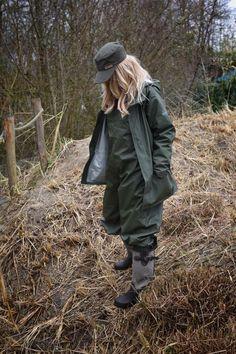 Green Raincoat, Mens Raincoat, Rain Wear, Military Jacket, Rain Jacket, Windbreaker, Women Wear, How To Wear, Latex