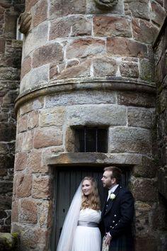 Little corner outside the castle Little Corner, The Outsiders, Castle, Wedding Photography, Home Decor, Decoration Home, Room Decor, Castles, Wedding Photos