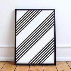 www.brandeau.ch I Hard Edge Lines. B-Print 04.  •••  #brandeau #brandeaubottles #wasser #water #wasserflasche #wassertrinken #wassergenuss #hahnenwasser #stilleswasser #flasche #karaffe #wasserkaraffe #glasflasche #schweizerwasser #tapbottle #tapwater #frankstellainspired #lines #blackandwhitelines #blackandwhiteart #artframe #hardedge #abstractart #symbolic #graphicdesign #frame #swissdesign #artprint #frankstellastyle #graphiclines
