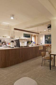 우드 톤 : 목재+스테인 / 우드스틱 타일 내부 도장 : 웜화이트  상업공간 전문 인테리어 - 어라운드30 인테리어디자인  Office : 031.8058.6336 Cafe : 031/8043.9366 Interior, Table, Furniture, Home Decor, Decoration Home, Indoor, Room Decor, Tables, Home Furnishings