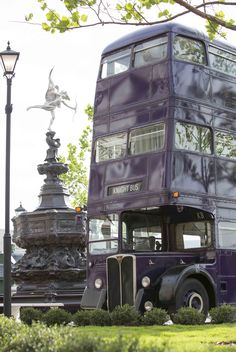 It's going to be a bumpy ride! The Knight Bus, complete with shrunken head, at The Wizarding World of Harry Potter - #DiagonAlley.