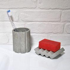 Juego de accesorios para tocador hechos de concreto, ¿te gustaría uno en tu cuarto de baño?