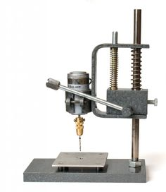 Homemade drilling machine for printed circuit boards Woodworking Jigsaw, Woodworking Power Tools, Learn Woodworking, Woodworking Projects, Homemade Tools, Diy Tools, Drill Press Diy, Pedestal Drill, Metal Processing