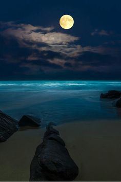 Playa, luna , noche