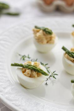 Stuffed eggs with salmon and asparagus