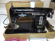 White-Sewing-Machine-model-2031-1-vintage-in-carry-case-very-rare-machine