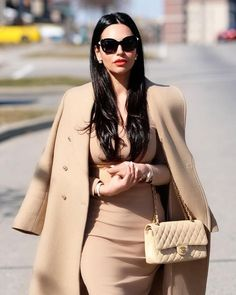 Here are my 5 Favourite Classy outfits that you can shop similar! I will guide you in the world of classy fashion and what you must buy and wear in or… - New Site Look Fashion, Autumn Fashion, Fashion Outfits, Womens Fashion, Classy Fashion, Fashion Styles, Fashion Tips, Classy Outfits, Stylish Outfits