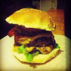 Bu lezzet Kadıköy Kazasker Sokal No:7 Wanted Burger'de sizi bekliyor. #wantedburger #eniyiburger #eniyiburgerci #elyapımıburger #restoran #restaurant #yemek #yemekyemek #istanbul #picofday #aşçı #aciktim #delicious #doubleburger #food #fastfood #foodporn #gurme #hamburger #kadıköy #lezzet #lokanta #lezzetli #chef #cokacim #çokaçım #burger #bahariye #burgerci #mutlakadeneyin