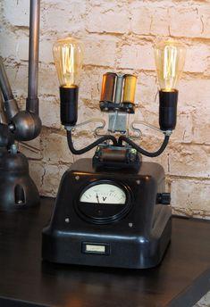 https://www.ebay.de/itm/Lichtobjekt-RTF-Telefon-Lampe-Steampunk-Messgerat-Unikat-Vintage-Loft-Edison/162940974254?hash=item25f009f4ae:g:evwAAOSwgLdapYsd