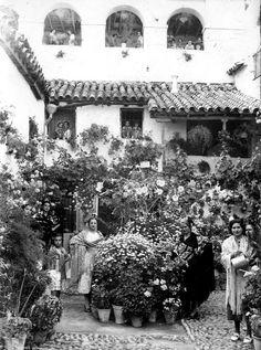 Patio de la calle Badanas nº 15 en 1930, ganador del primer premio