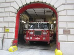 FDNY Tower Ladder 1   Flickr - Photo Sharing! Fire Fighters, Support Our Troops, Ladder, Trains, Tower, Firemen, Firefighters, Stairway, Rook