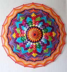 mandalas con hilos y palos - Buscar con Google Fun Crafts, Diy And Crafts, Arts And Crafts, God's Eye Craft, Mandala Yarn, Gods Eye, Circle Art, Art Yarn, Quilling Patterns