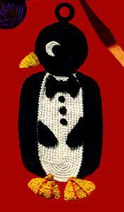 Penguin Potholder  pattern on website of freevintagecrochet.com
