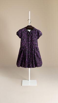 4ad31dd59f0c Vêtements et accessoires Fille   Burberry   Robe en soie, Soie et ...