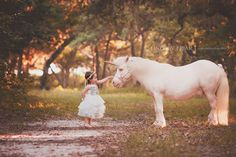 Lindsey Friar Photography Unicorn Mini Session Little Girl Pictures, Pictures With Horses, Toddler Pictures, Horse Photos, Family Pictures, 2yr Old Birthday, Unicorn Birthday Parties, 4th Birthday, Photography Mini Sessions