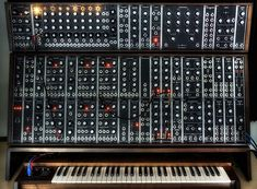 Moog brings back to life the Modular Synthesizers. Learn more and watch the impressive video by Moog Music. Recording Equipment, Audio Equipment, Electronic Music Instruments, Musical Instruments, Moog Synthesizer, Cassette Vhs, Vintage Synth, Drum Machine, Visual Identity