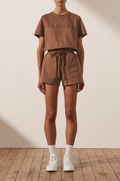 Summer Outfits Women 30s, Short Outfits, Cute Outfits, Brown Shorts, White Shorts, Jogger Shorts, Beach Babe, French Terry, Tees