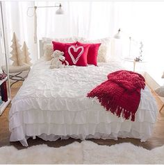 Bethany Mota Bedroom Decor Line love her bedding :) you can get it at bethany mota bedroom