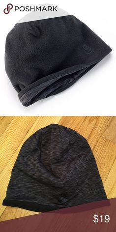 Cuddle Duds Reversible Flex Fit Beanie Brand new! Black on one side, marble on the other. Great for staying warm in the winter on your commute or work out. Ships same day if ordered by 10:00 CST. Bundle 3 items and save 15%. Cuddl Duds Accessories Hats