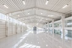 System the warehouse oxgate архитектура, склад Factory Architecture, Architecture Today, Sustainable Architecture, Residential Architecture, Contemporary Architecture, Warehouse Plan, Warehouse Design, Steel Trusses, Roof Trusses