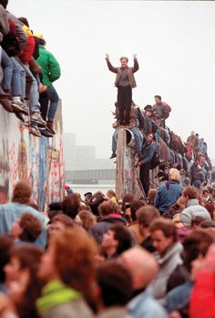 fabforgottennobility: Berlin Wall, Photograph by Lionel...