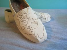 8. Lord of the Rings TOMS | Community Post: 20 Perfect Etsy Gifts For Book Lovers In Your Life