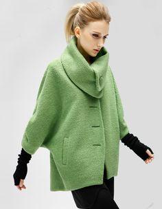 Green Batwing Sleeve Lapel Woolen Coat