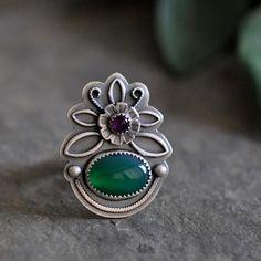 Green Onyx Ring with Amethyst, Oxidized Sterling Silver Ring Sea Glass Jewelry, Metal Jewelry, Jewelry Art, Jewelry Rings, Silver Jewelry, Jewelry Design, Gothic Jewelry, Jewlery, Fashion Jewelry