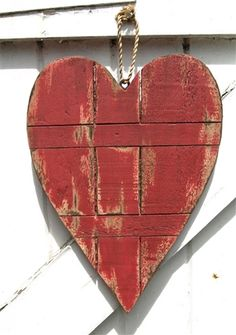 Plank Red Wooden Heart Decoration - Shabby Chic By The Bay Mevagissey My Funny Valentine, Valentine Heart, Valentine Crafts, Valentines Day, I Love Heart, Happy Heart, Humble Heart, Heart Crafts, Felt Hearts