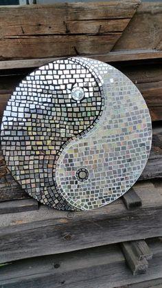 Mosaik - Mosaik CD Collage Yin und Yang Scheibe - ein Designerstück von Mona-von-Meding bei DaWanda