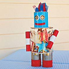 #DIY robot centerpiece for July 4 – or really any event depending on the colors you use. Perfect for @Nick Becker