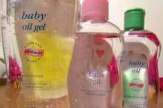 Unusual Uses For Baby Oil and Baby Powder (click the teal View Slideshow button on the picture) Johnson Baby, Johnson And Johnson, Baby Oil Uses, Diy Beauty, Beauty Hacks, Beauty Tips, Beauty Care, You Look Fab, Baby Powder