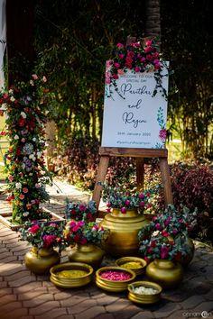 Indian Wedding Venue, Desi Wedding Decor, Wedding Entrance, Indian Wedding Planning, Big Fat Indian Wedding, Wedding Planning Websites, Outdoor Wedding Decorations, Wedding Altars, Small Intimate Wedding