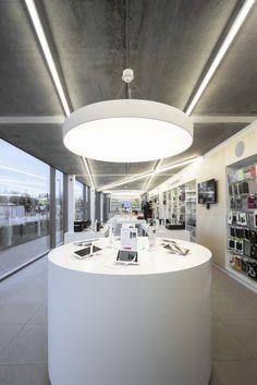SWITCH Apple store St-Martens-Latem #DARK CANDYBAR's white concept #Apple #Switch