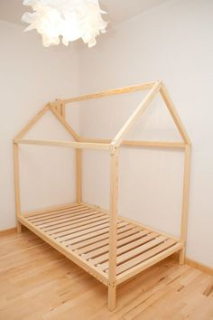 Baby bed tent, wood bed or toddler bed house, children bed, baby bed Doble cama casa con listones de piso / niños por SweetHOMEfromwood House Frame Bed, House Beds, Bed Frame, Baby Bedroom, Girls Bedroom, Diy Toddler Bed, Diy Bett, Bed Tent, Wood Beds