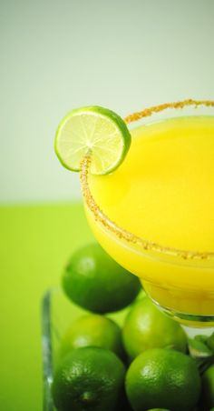 mango margarita ~ gotta make these, but nothin beats Edith's Mango Margaritas at the Villa del Palmar Flammingo's in Nuevo Vallarta!