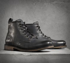 Who says you can't have stylish boots with excellent quality when you're kicking…