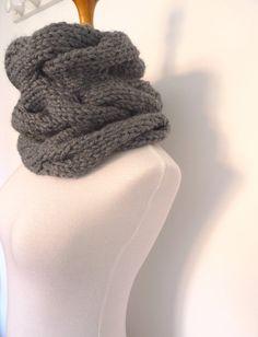 cuello tejido con ochos gris por NinaComoYo en Etsy