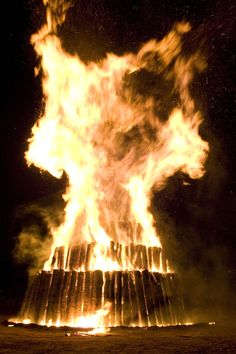 Aggie Bonfire Starting in 1909 Texas A&M University students worked together…