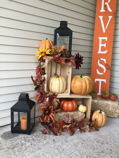 Thanksgiving Crafts, Thanksgiving Decorations, Fall Crafts, Halloween Decorations, Holiday Decorating, Porch Decorating, Decorating Ideas, Outside Fall Decorations, Fall Arrangements