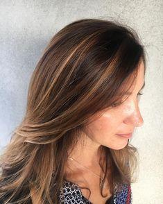 Warm hues #hair #nofilter #hairpainting #aveda #avedacolor #acaciaaveda #warmhues #americansalon #behindthechair #blowout #like4like #art…
